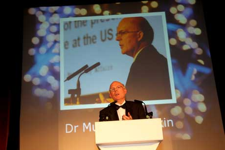 Dr Murray Lumpkin receives the Lifetime Achievement Award